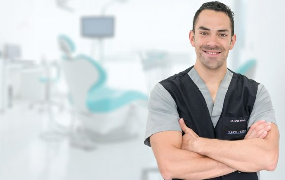 Best dentists in Costa Rica: meet Dr. Erick Rivera!